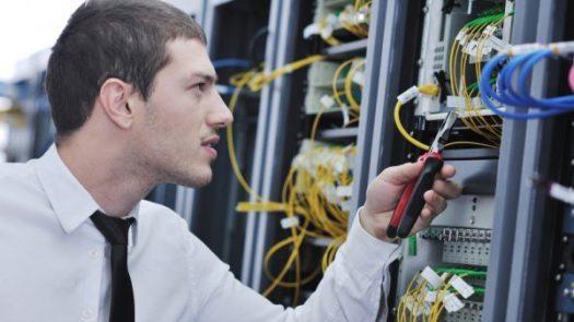 Als Servicetechniker (m/w/d) im Außendienst für die NE 4 (BI – Installation)